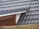 Vordach-Detail, Dachsteine